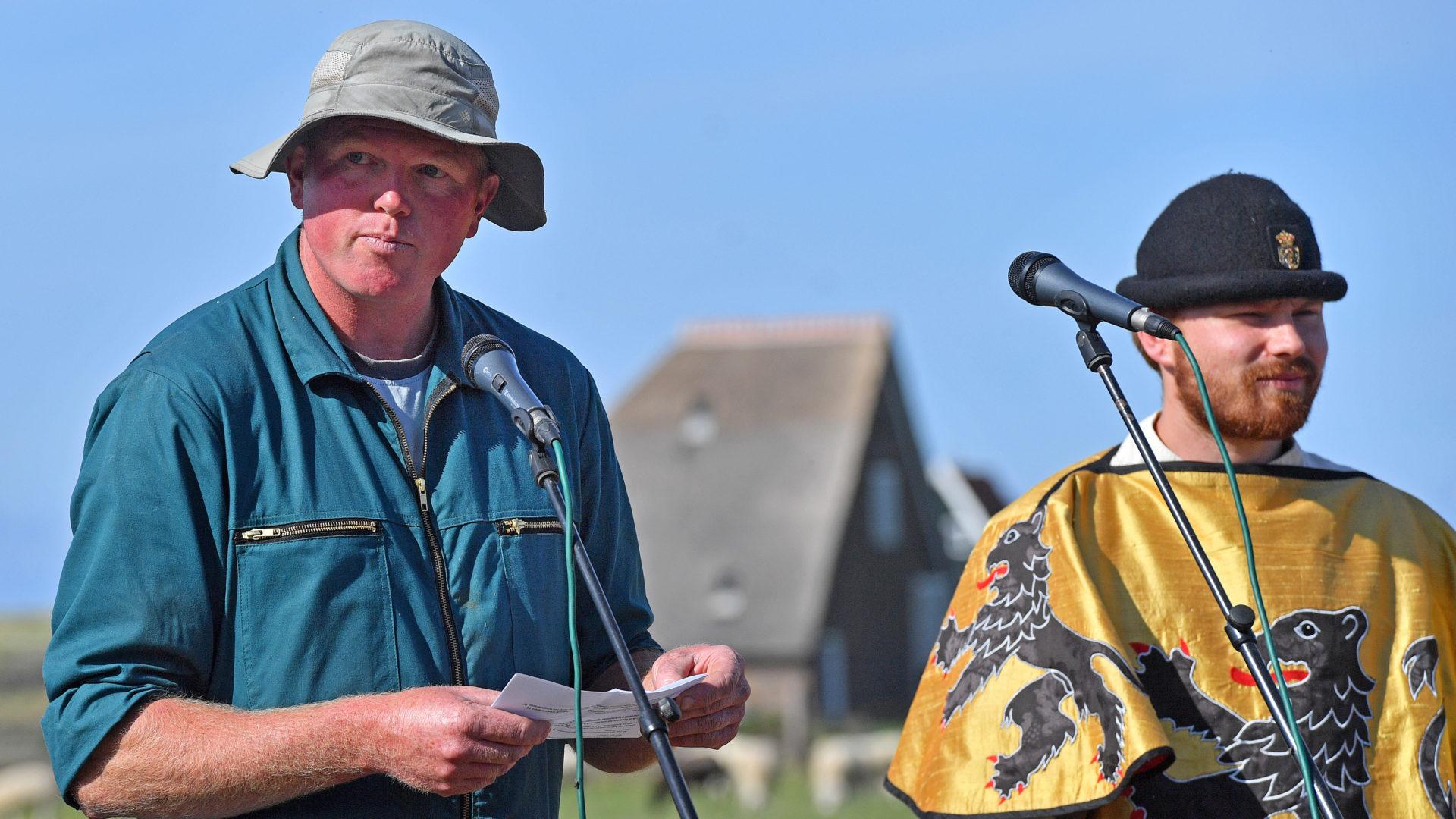 Schapenboer Jan-Willem Bakker vertelt over de schapenhouderij op Texel.